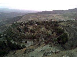 View to Amiantos Asbestos Mine