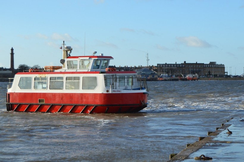 Knott End Ferry to Fleetwood